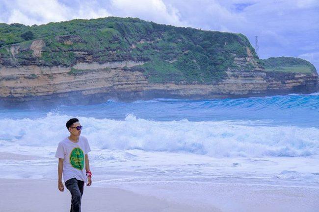 Wisata Pantai Tunak