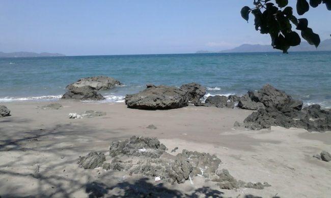 Wisata Pantai Wadu Baba via Kupasbima