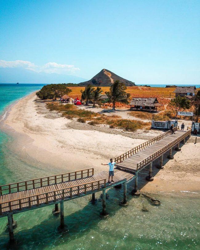 Wisata Pulau Kenawa via IG @fakirpiknik