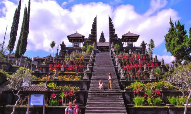 Wisata Pura Besakih via Bali Paket Tour