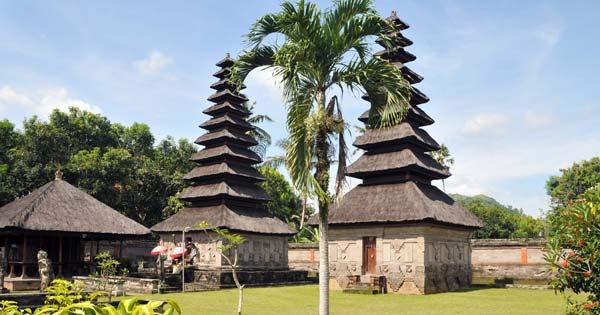 Wisata Pura Taman Sari
