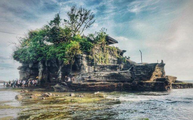 Wisata Pura Tanah Lot via IG @melaiiii_skie