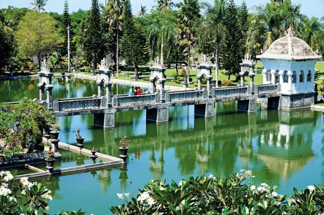 Wisata Taman Soekasada