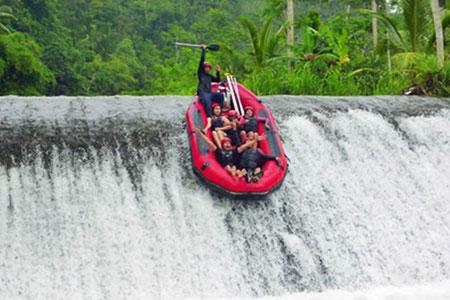 Wisata Telaga Waja Rafting