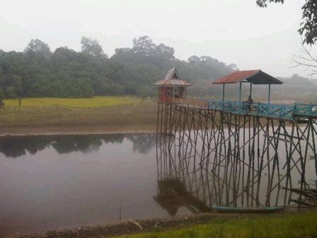Danau Buak - Tempat Wisata Di Kapuas Hulu