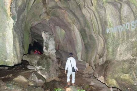 Goa Beluan - Tempat Wisata Di Kapuas Hulu