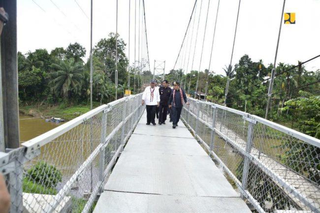 Jembatan Gantung Dusun Meliung via Pontas