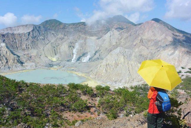 Wisata Gunung Sirung via IG @netimaulani
