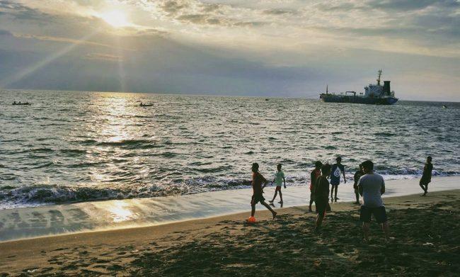Wisata Pantai Ampenan via IG @elyudith