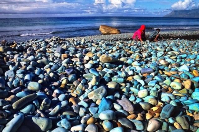 Wisata Pantai Batu Biru via Inakoran