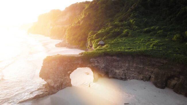 Wisata Pantai Bawana via IG @deni_namaku