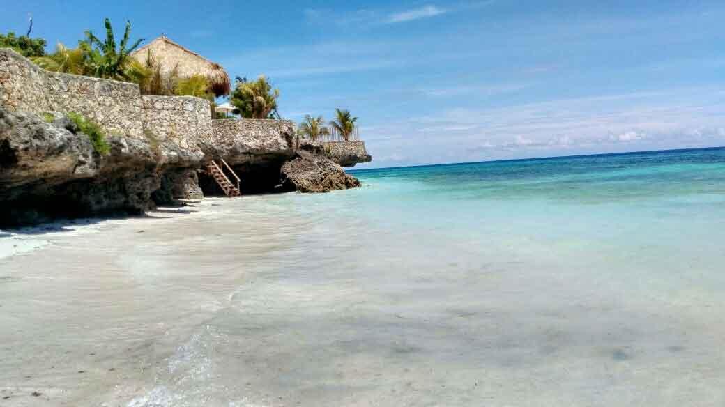 Wisata Pantai Kawona