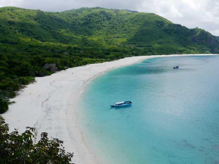 Wisata Pantai Ling'al via Detik