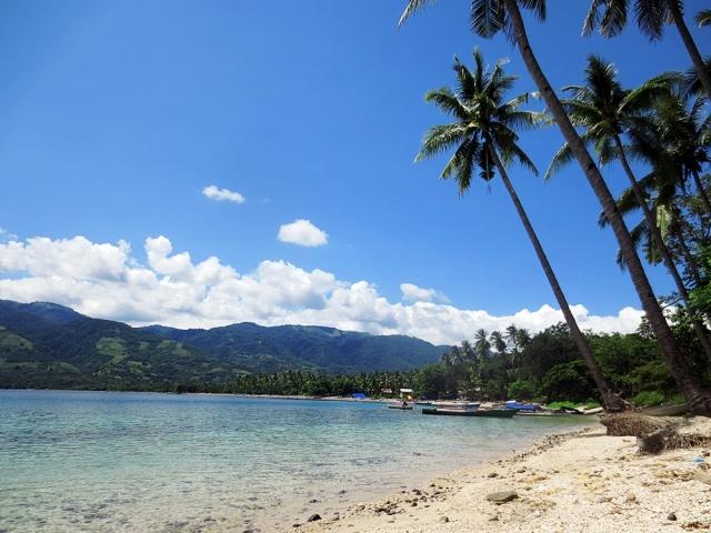 Wisata Pantai Maimol via Iemariaa.blogspotcom