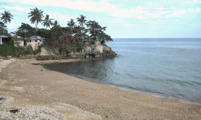 Wisata Pantai Neam