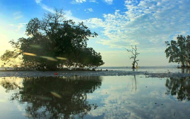 Wisata Pantai Nunsui via IG @etho_lz_76