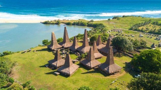 Wisata Pantai Ratenggaro - Tempat Wisata di Sumba Barat