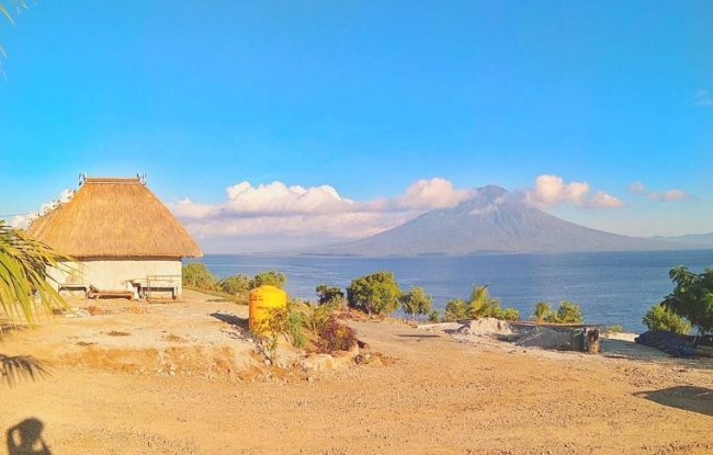 Wisata Pantai Waijarang via IG @sobarjackson