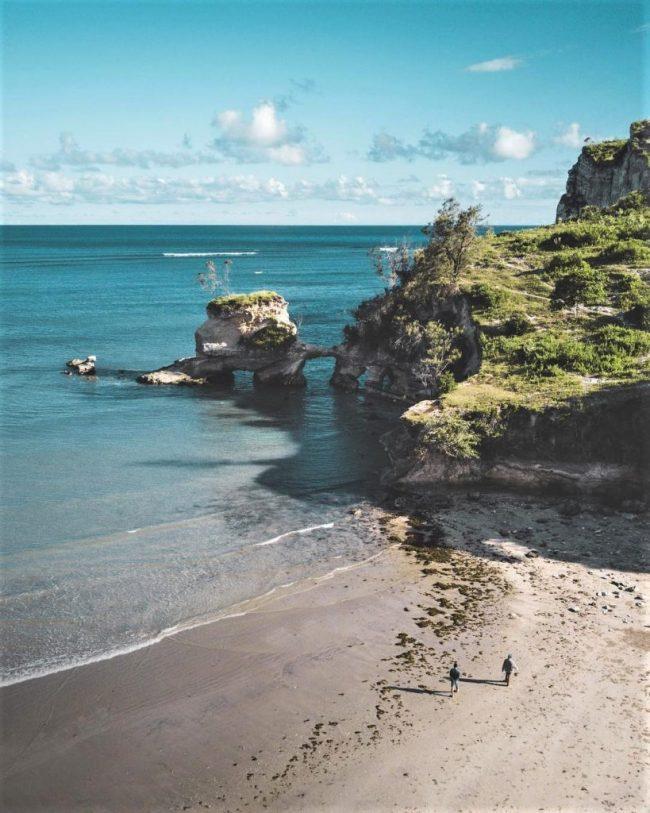 Wisata Pantai Watuparunu via IG @eryradixa