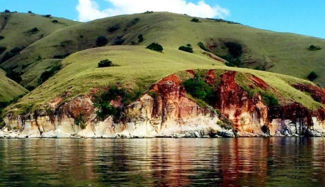 Wisata Pulau Rinca via IG @loretta_amstad