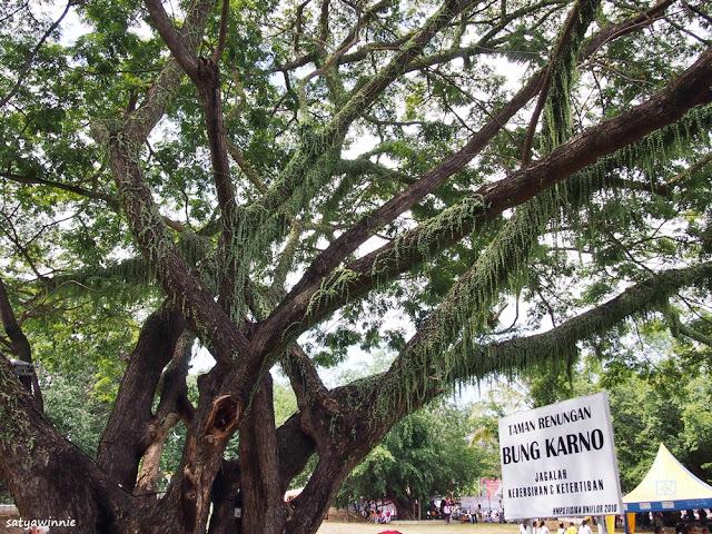 Wisata Taman Renungan Bung Karno via Satyawinnies