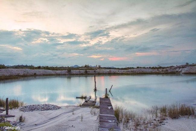 Danau Biru Melawi via IG @f2_photo