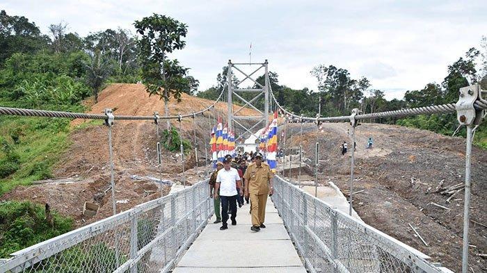 Jembatan Gantung Desa Nanga Menunuk via Tibun Pontianak