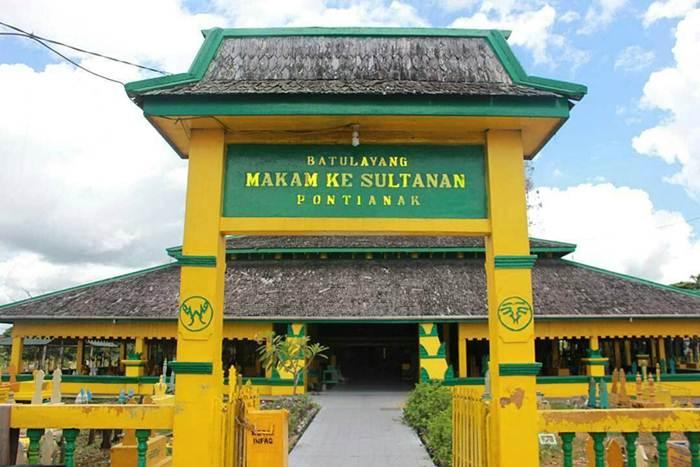 Makam Kesultanan Batulayang via IG @dysrtm