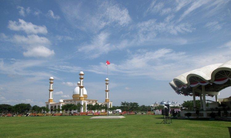 Masjid Agung Ahmad Bakrie Kisaran via BackpackerSejarah