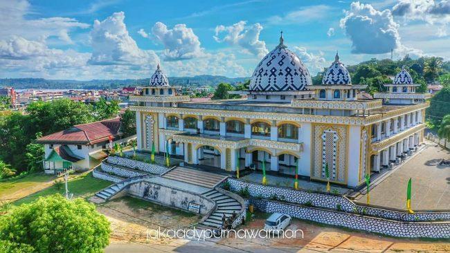 Masjid Agung Al Muawanah Foto @Jakaadypurnawarman