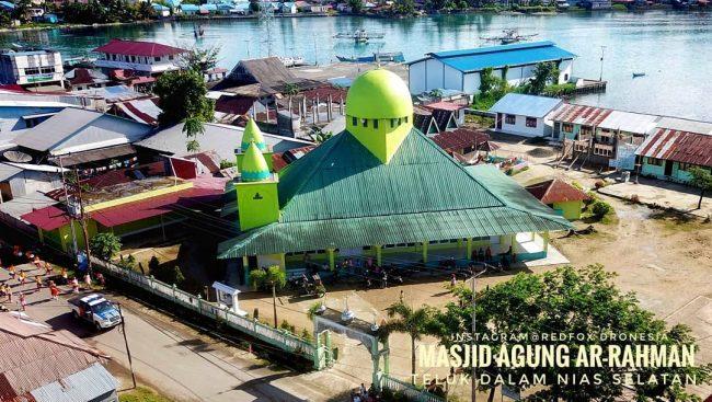 Masjid Agung Ar-Rahman via IG @explore_pulau_nias