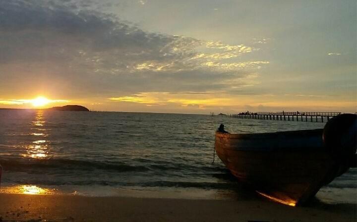 Pantai Kijing via IG @deakamaliaputri
