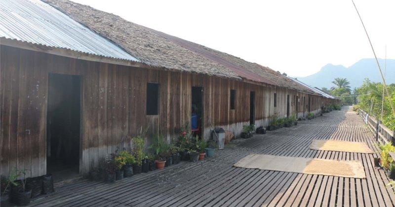 Rumah Betang Saham via Kemendikbud