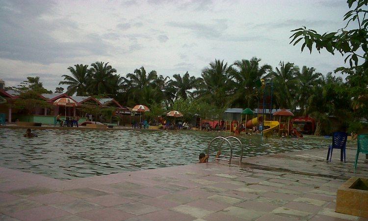 Waterpark Pesona Cikampak via KOtapinang.wordpresscom - Tempat Wisata Di Labuhanbatu Selatan