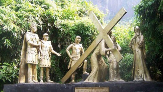 Wisata Rohani Bukit Kelam via IG @wisatasintang