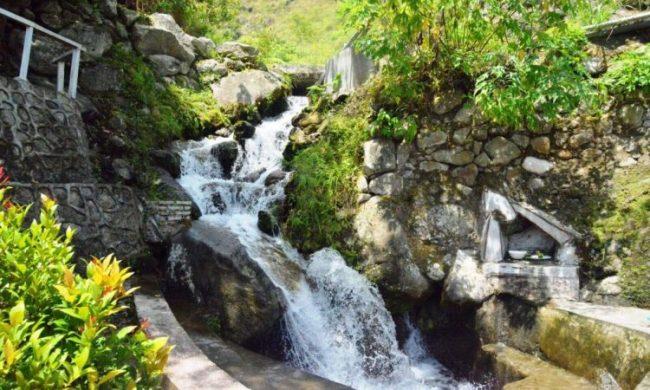 Aek Sipangolu Bakkara - tempat wisata di Humbang Hasundutan