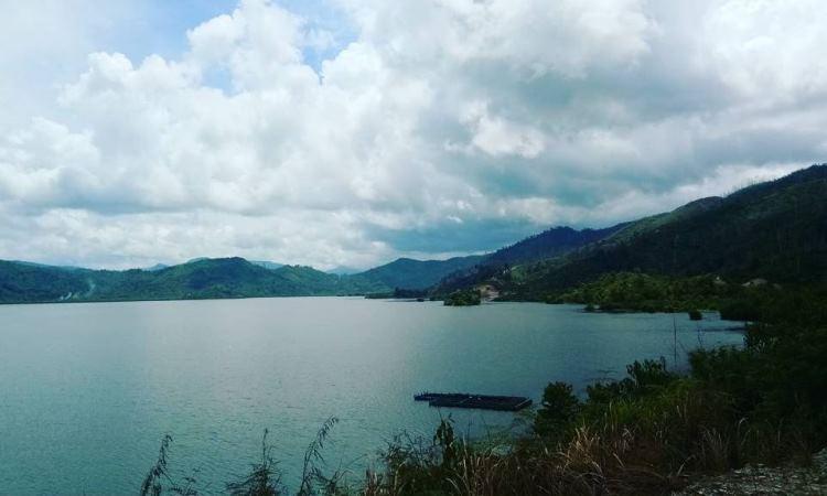 Danau Siais