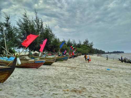 Pantai Kuala Putri via IG @isan_agusti