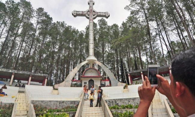 Salib Kasih via Pesona Travel
