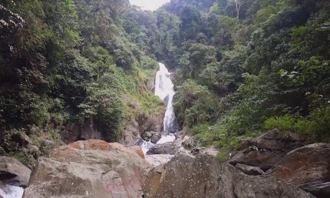 Air Terjun Sialogo via Youtube Berkelana02 - tempat wisata di Toba Samosir