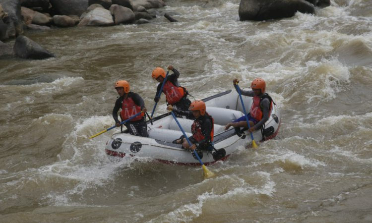 Arung Jeram Sungai Batang Kuantan via Posmetropadang
