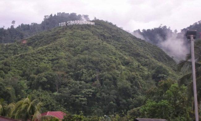 Bukit Tor Simarbarimbing via Batakpost
