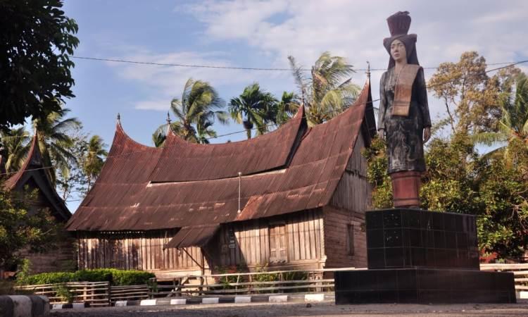Kampung Adat Sijunjung via Minangsatu