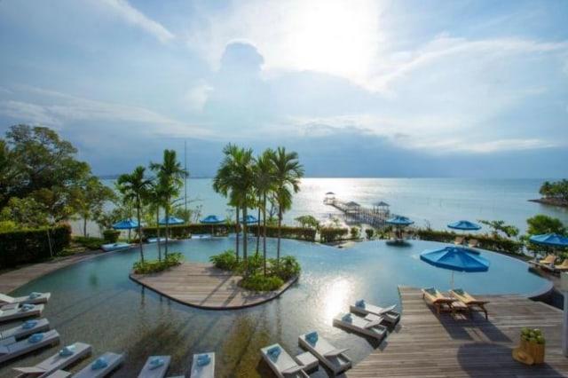 Kolam Renang Montigo Resort Batam