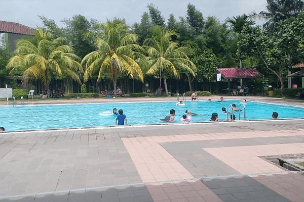 Kolam Renang Shangri-La Swimming Pool Batam