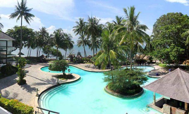 Kolam Renang Turi Beach Resort