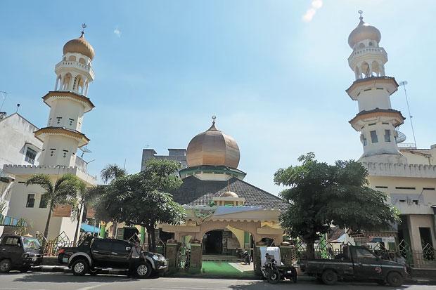 Masjid Raya Nur Addin via SIndonews - tempat wisata di Tebing Tinggi