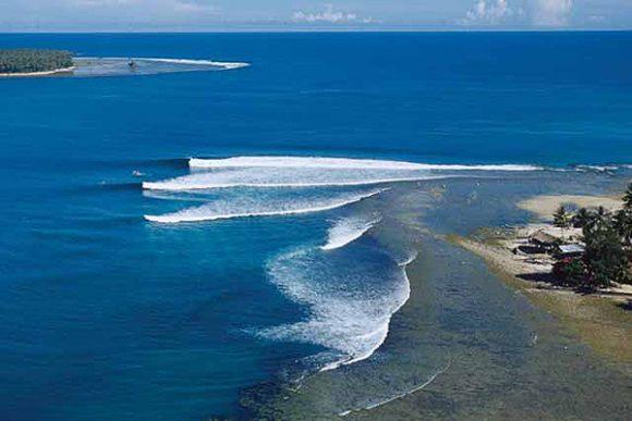 Pulau Sipora via Pemburu Ombak