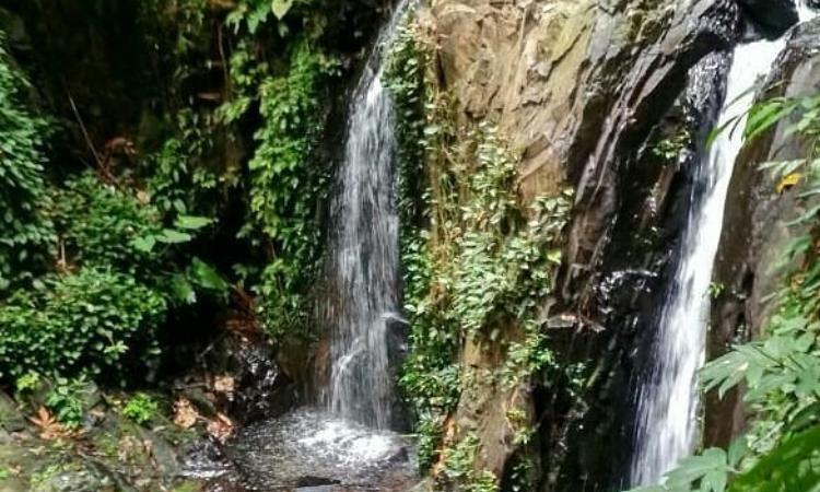 Air Terjun Tualang via IG @tripinhu - Tempat Wisata Di Indragiri Hulu