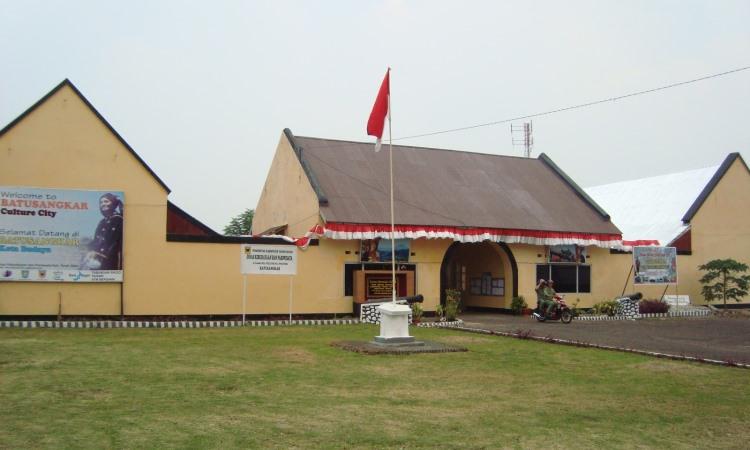 Benteng Van Der Capellen via Pagaruyungtour.blogspotcom